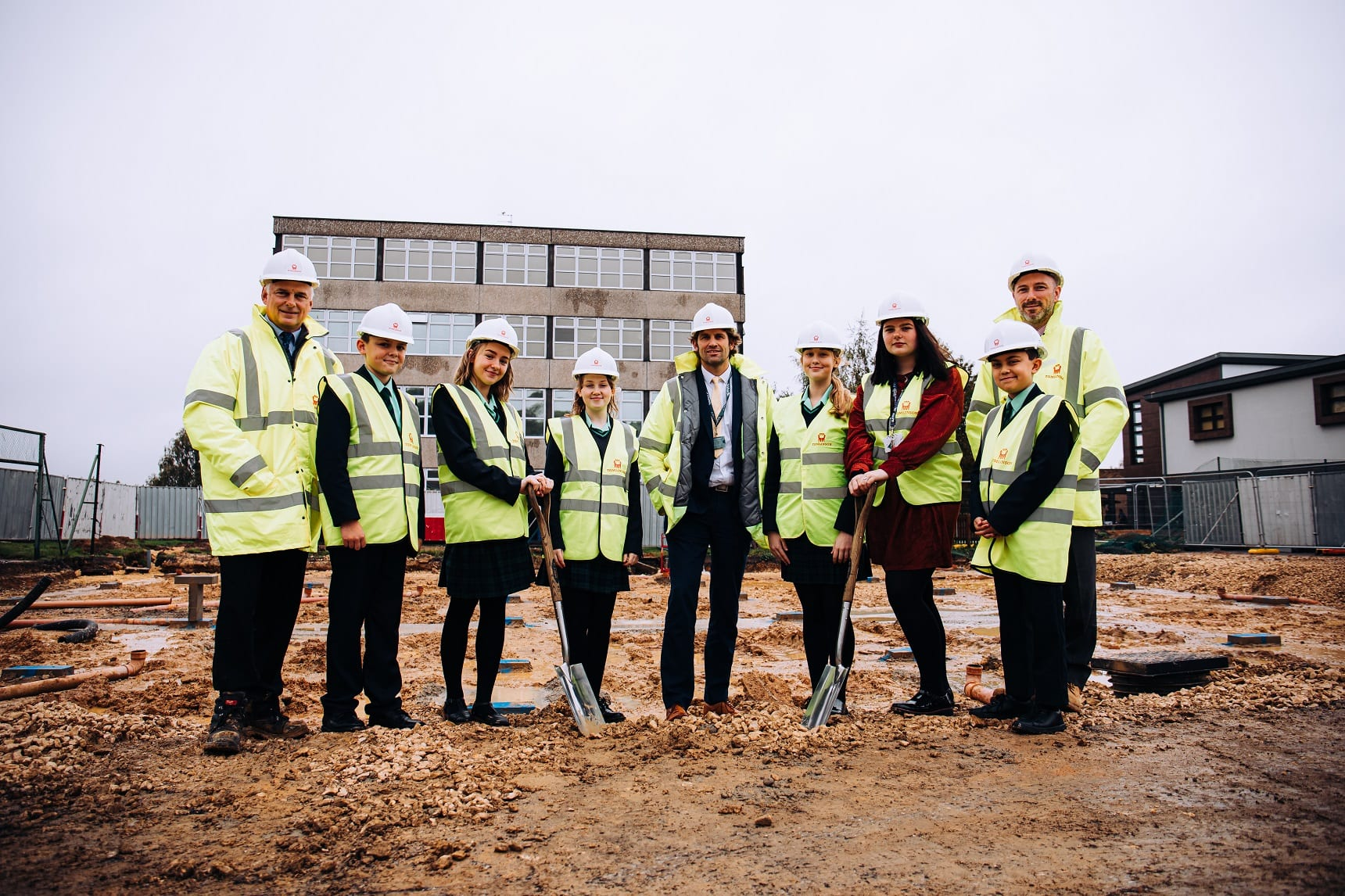 Students 'dig in' at new build